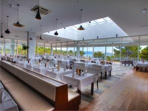 Solaris-Hotel-Ivan-restaurant1